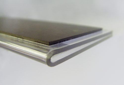 Schild Slim Magnetic, Detail der Ecke des Magnets