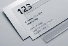 Schild Slim Bond mit Papiereinlage und Metallgrundplatte