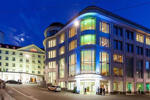 Gebäude und Haupteingang vom Hotel Einstein in St.Gallen