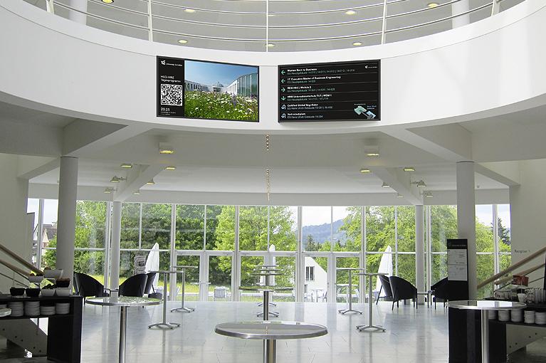 Referenz Weiterbildungszentrum Universität St. Gallen, Kantine Monitor und Infosystem